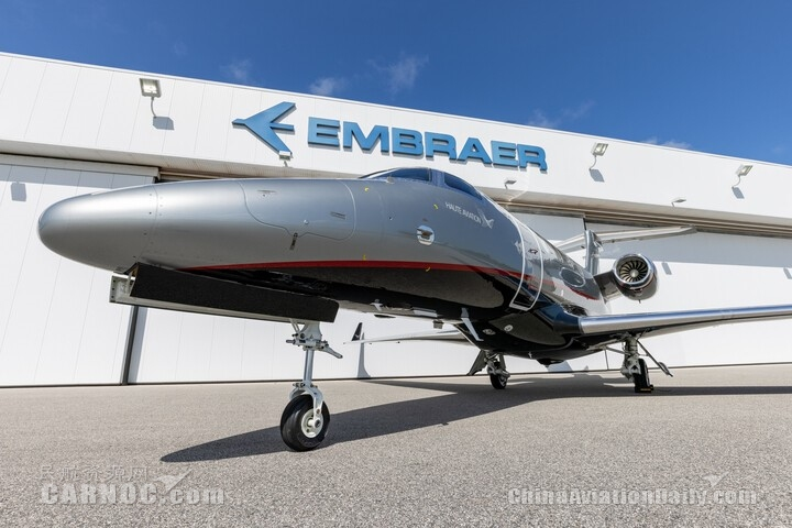 巴航工业交付第1500架公务机--将一架飞鸿300E交付给瑞士包机运营商