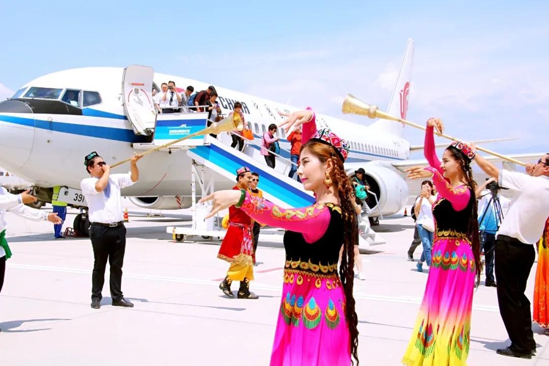 """国航将一如既往地服务新疆发展,服务""""一带一路"""""""