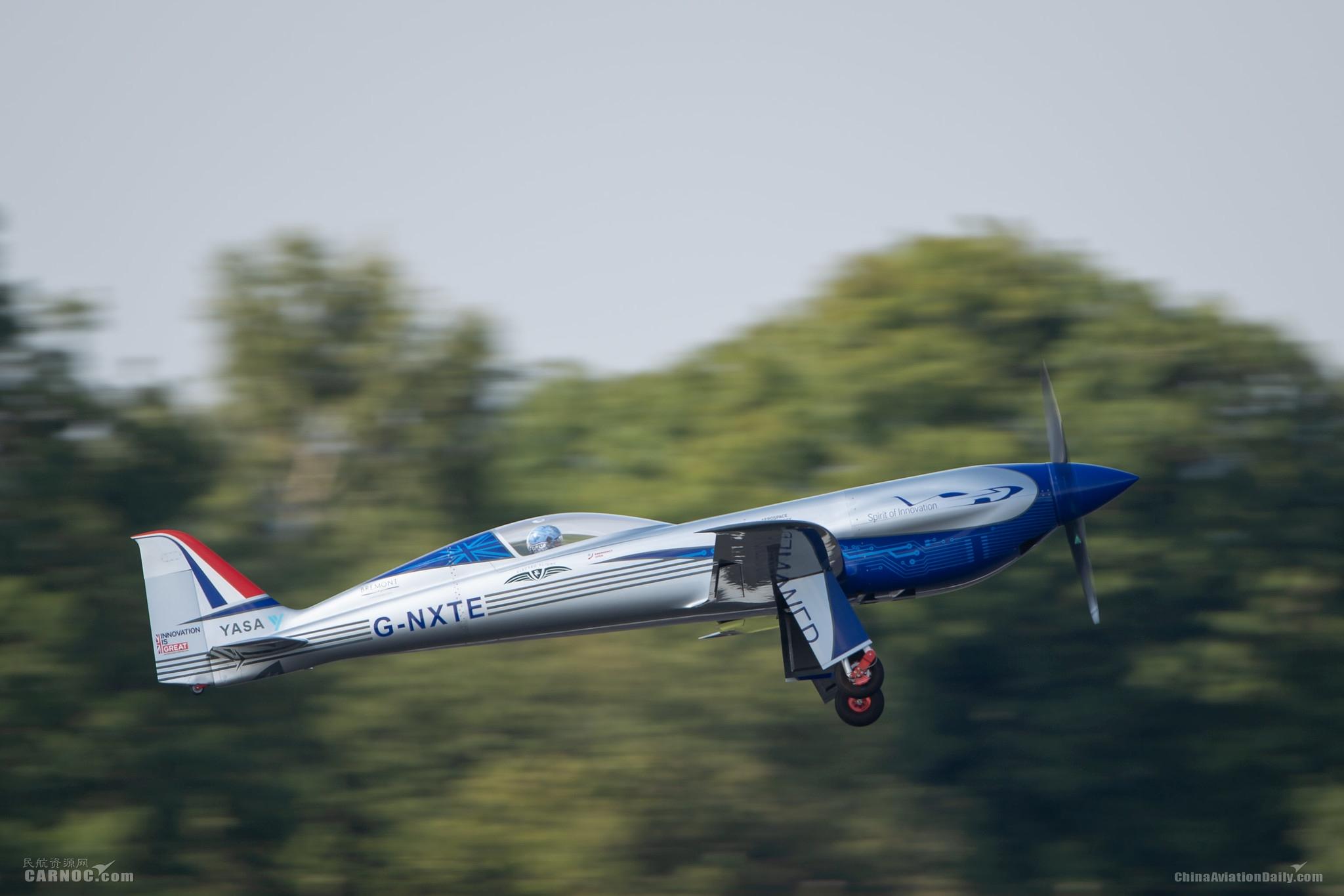 """罗尔斯-罗伊斯""""创新精神""""号全电动飞机成功首飞"""