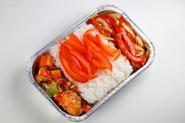 飞过天南海北 旅程有滋有味 实地探访川航客舱部选餐