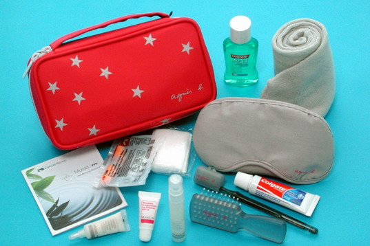 0f6729db95b7 Cathay Pacific Offers Passengers Brand New Travel Kits with ...