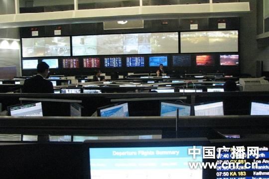 """记全球""""货运一哥""""香港国际机场的晚间运作"""