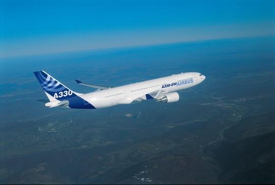 南航与中航材购买10架空中客车a330系列飞机图片